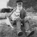 Дед с собакой